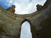 Башня в Новомалине- небо, ветер и руины