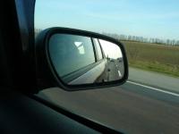 Наш караван в зеркале заднего вида